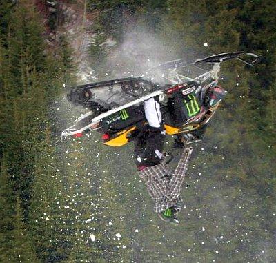 snowmobile-05.jpg
