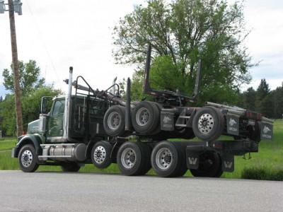 lumber.truck